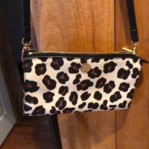 Used twice ToryBurch leopard wallet crossbody bag